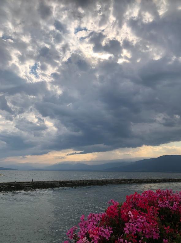 Le lac de Neuchâtel après un orage